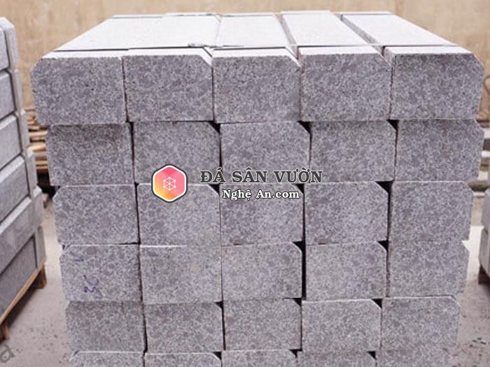 Đá bó vỉa granite tím Phù Cát